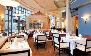 西宁酒店饭店设备回收,西宁酒店饭店宾馆物资回收,餐厅桌椅回收